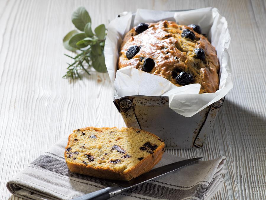 Recette de cake salé aux olives noires - Semoule fine Le Renard