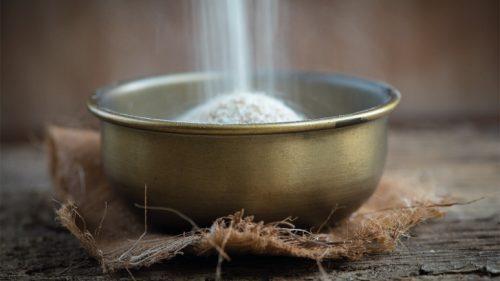 cuisson et le préparation de la semoule de couscous.